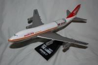 Photo: Qantas, Boeing 747-100/200