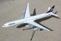 Photo: Lufthansa, Airbus A340-600